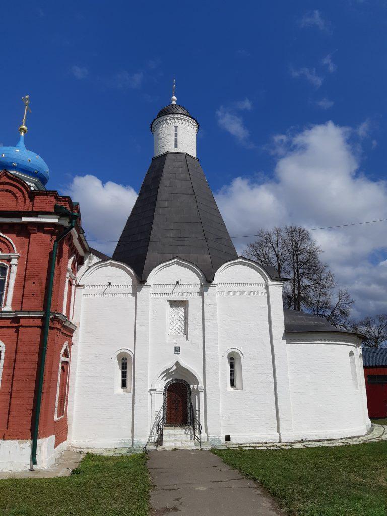 Успенский шатровый храм 1552 года