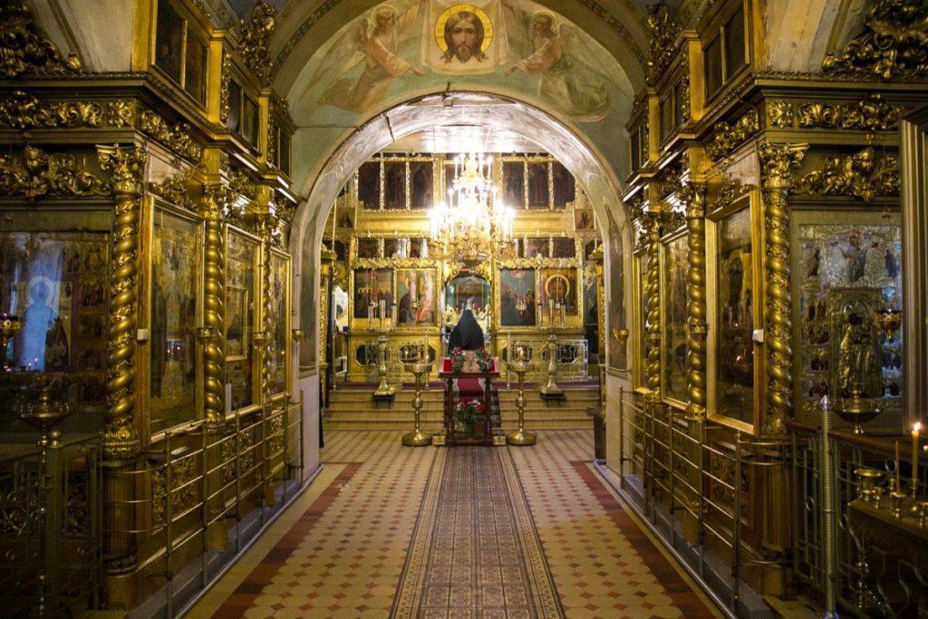 храм-Богоявления-в-гончарах